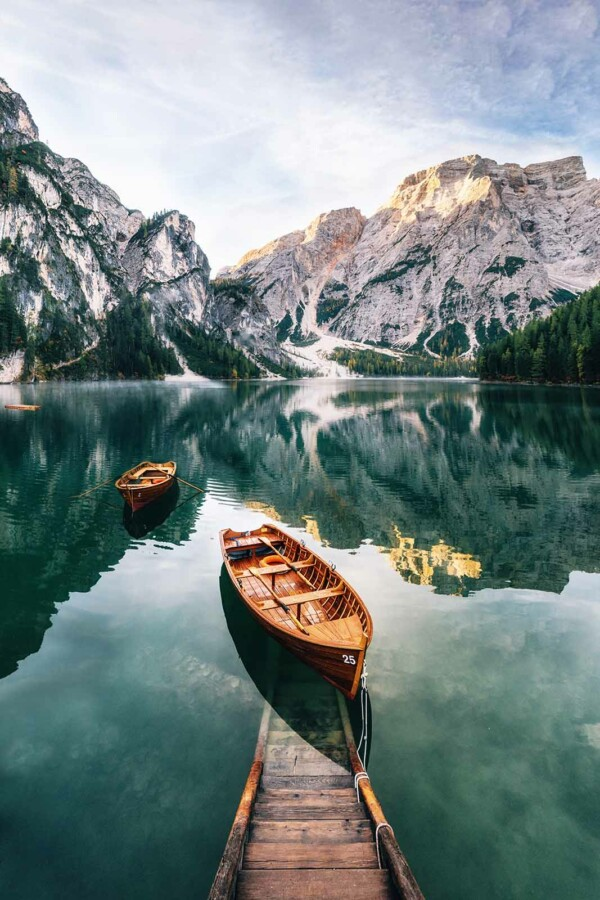 Boats in Crystal Lake - muurdecoratie natuur