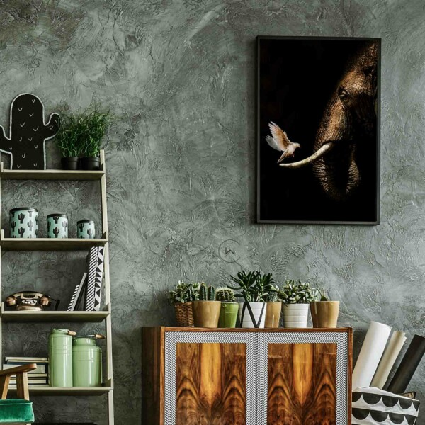 Elephant with Pigeon - olifant op wanddecoratie