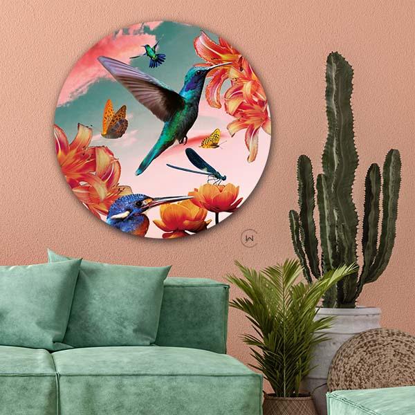Wandcirkel kolibries in combinatie met een groene bank